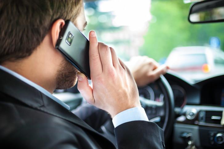 Puis je vraiment avoir une contravention en téléphonant alors que mon véhicule est arrêté?: décryptages et nuances pour votre défense.